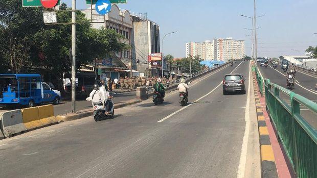 Jalan Jatibaru, Jakarta Pusat juga telah normal.
