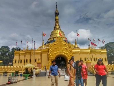 Pagoda Terbesar ke-3 Dunia Jadi Daya Tarik Wisata di Brastagi