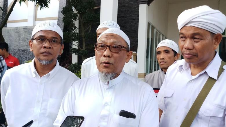 Sebelum Dibawa ke Bogor, Jenazah Arifin Ilham Disalatkan di Masjid Penang