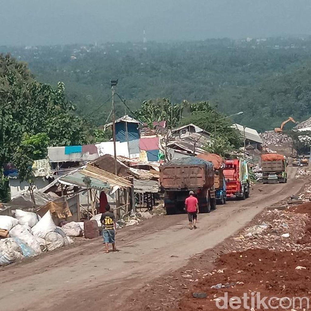 Antrean Truk di TPA Sarimukti Hambat Pengangkutan Sampah Warga KBB
