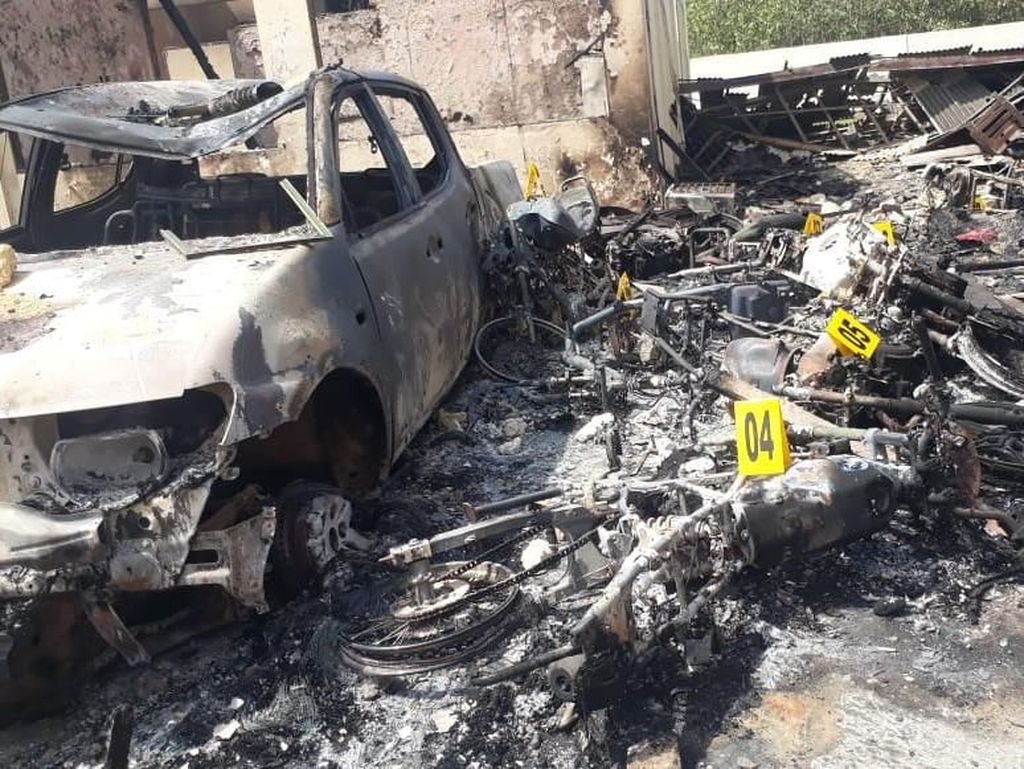 Motif Pembakaran Polsek di Sampang: Massa Kecewa Dilarang ke Jakarta