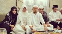 Kulineran Almarhum Ustaz Arifin Ilham hingga Gerai McD Terkecil di Dunia