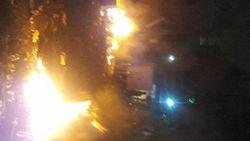 Massa Rusuh di Jalan Sabang, Motor Milik Wartawan Dibakar