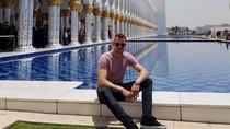 Kiper Liverpool Ini Terpesona dengan Masjid di Abu Dhabi