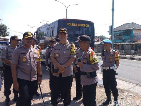 Demi Kelancaran Mudik, Tukang Becak Pasar Cirebon Dapat Kompensasi (subuh.....)