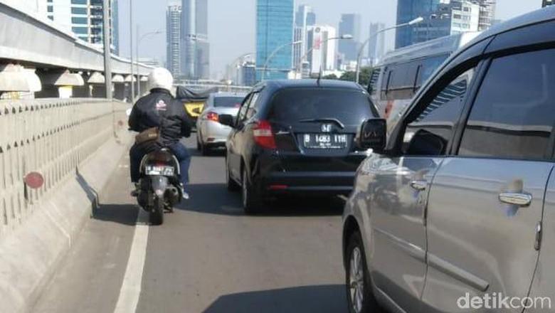 22 Mei Lengang, Lalin Jakarta Kembali Macet Pagi Ini