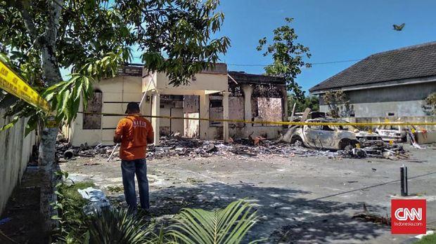 Polisi Ungkap Peran 5 Tersangka Pembakaran Polsek di Sampang