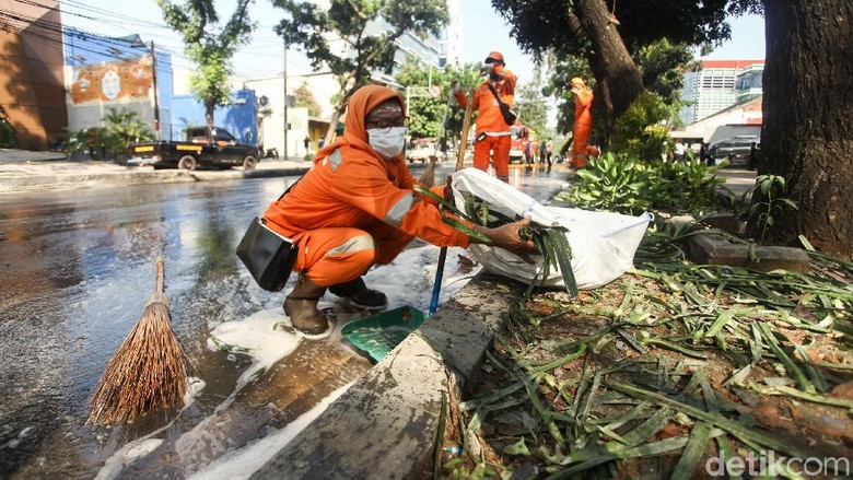 Anies: Biaya Perbaikan Taman Dampak Kerusuhan 22 Mei Rp 465 Juta