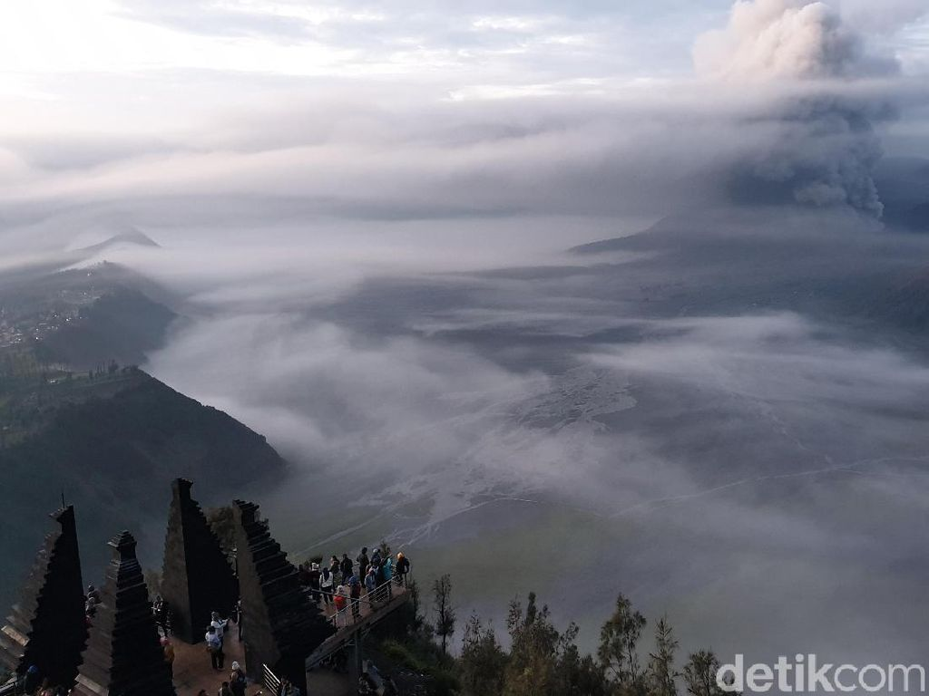 Kota Malang dari salah satu atap hotel (Ahmad Masaul Khoiri/detikcom)