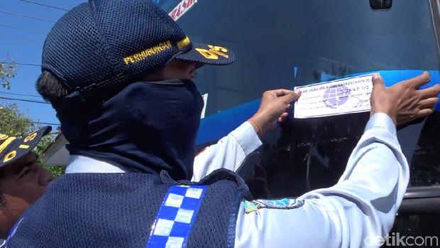 Pemeriksaan bus jelang arus mudik di Rembang