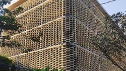 Sisa-sisa Kebakaran di Gedung Bawaslu: Tembok Gosong dan Kaca Pecah