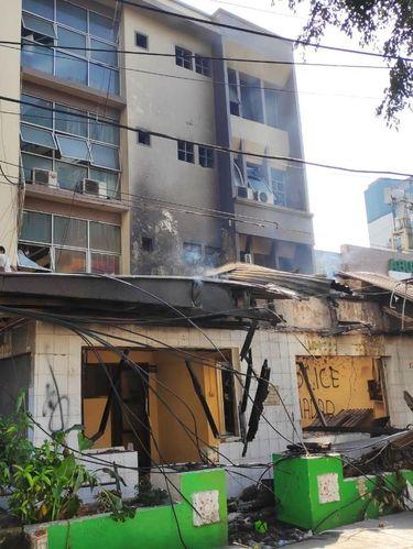 Kondisi Restoran yang Terbakar di Sabang