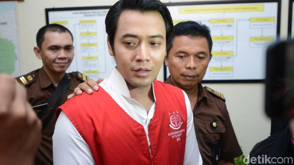 Kriss Hatta Sinis Dituntut 4 Tahun Penjara