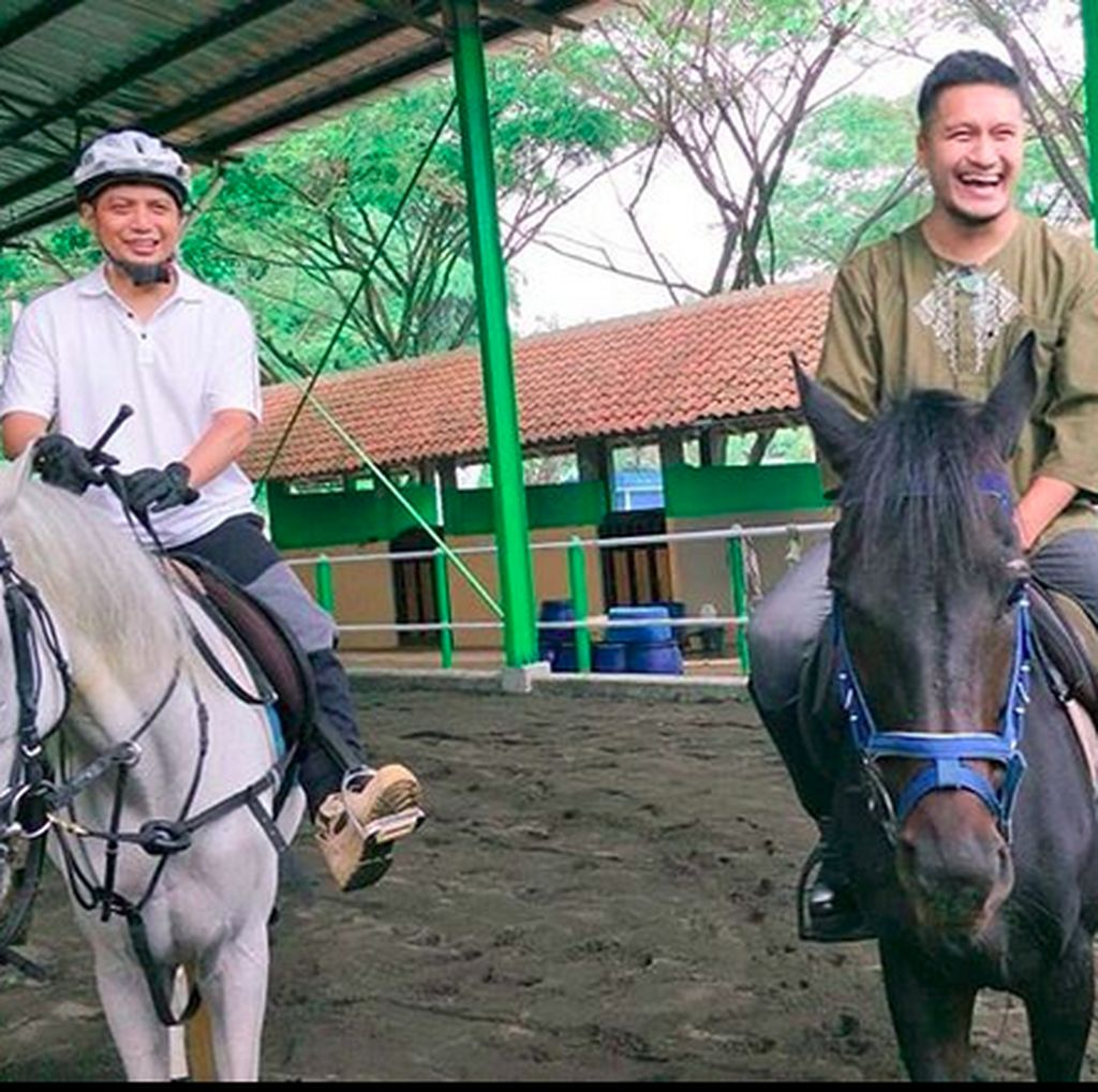 Ustaz Arifin Ilham Meninggal, Arie Untung Berharap Bertemu Lagi di Surga