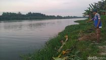 Mayat Pria Bertato Suhartatik Ditemukan di Pinggir Sungai Mojokerto