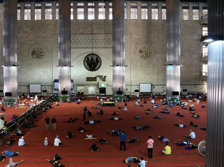 6 Rekomendasi Masjid Iktikaf yang Nyaman Bareng Keluarga
