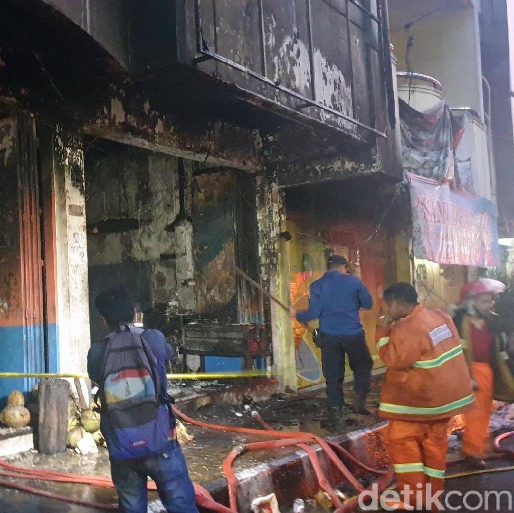 Restoran Terbakar di Sukabumi, Pembeli Panik Berlarian