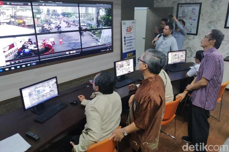 Telkom University Bangun Command Center dan Pasang Panic Buton di Kampus