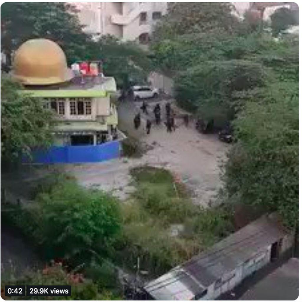 Isu Korban Tewas Hoax, Polri Jelaskan soal Brimob Pukuli Pria di Kampung Bali