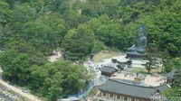 Patung Buddha dari ketinggian (Afif Farhan/detikTravel)