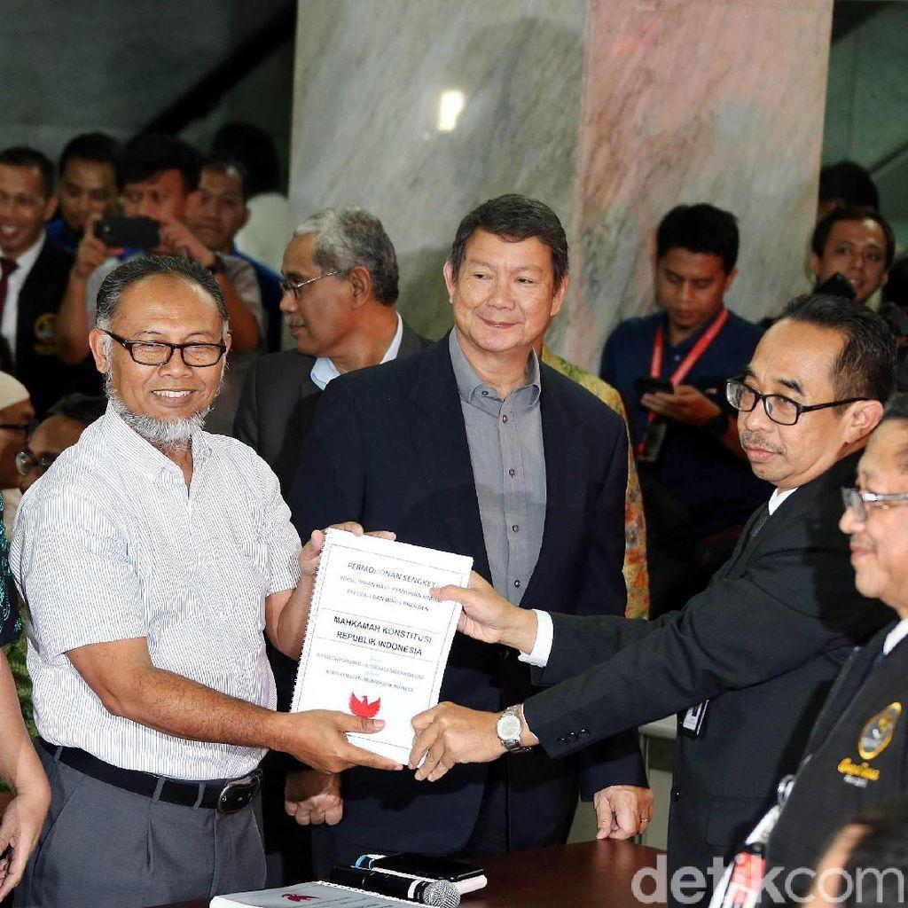 Jalan Konstitusi Terakhir Prabowo-Sandi