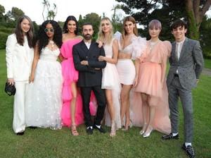 Desainer Couture Giambattista Valli Rilis Baju Harga Terjangkau dengan H&M
