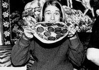 Piring Kertas Kotor Bekas Pizza Milik Kurt Cobain Laku Rp 324 Juta