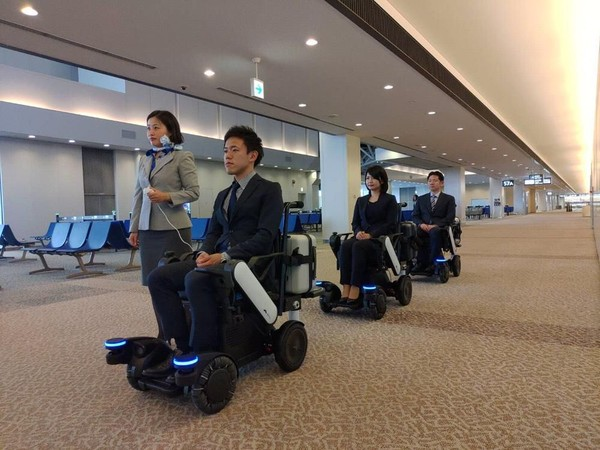 Nantinya, traveler tidak perlu membutuhkan bantuan staf untuk melakukan mobilisasi sekitar bandara, efisien dan cepat bukan? (Panasonic)