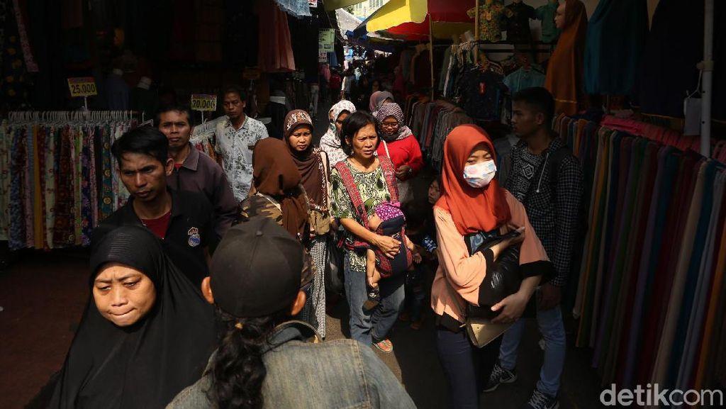 Pasca Aksi 22 Mei, PKL Tanah Abang Kembali Berdenyut