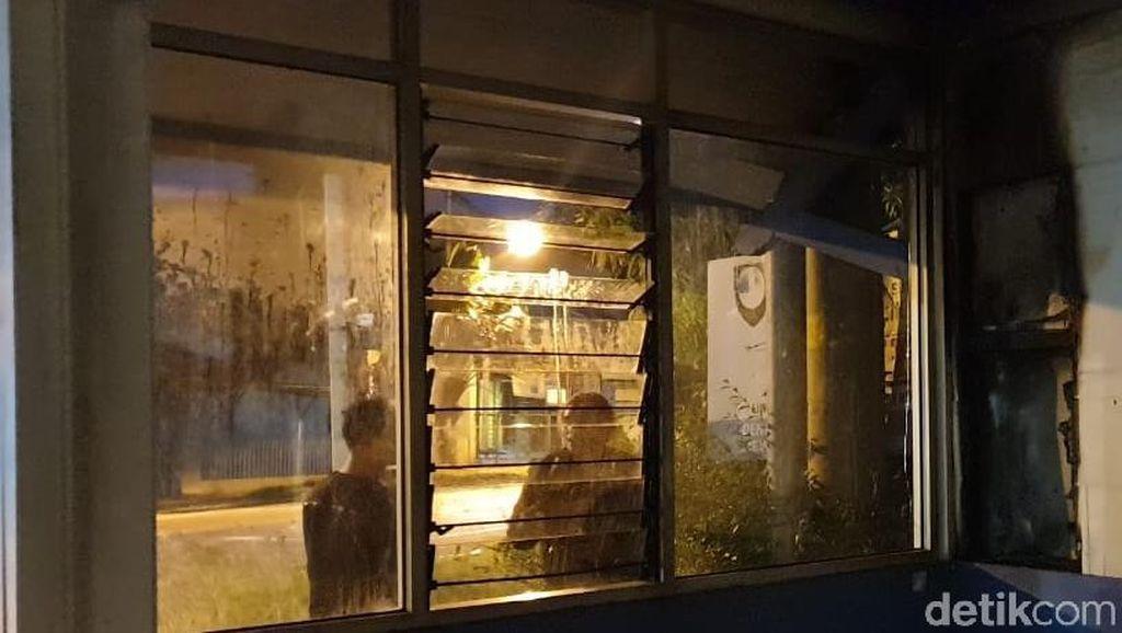 Pos Polisi Fajar Indah Solo Terbakar