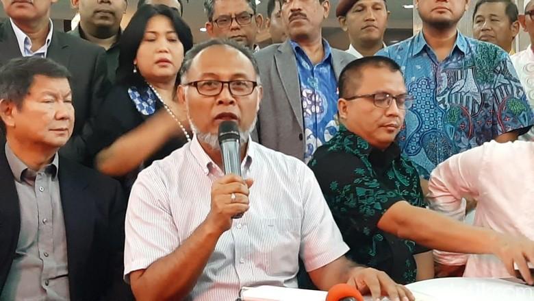 Daftarkan Gugatan Pilpres, BW: Mudah-mudahan MK Bukan Bagian Rezim Korup