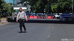 Antisipasi Demo, Lalin di Jl Gatot Subroto Arah DPR Ditutup