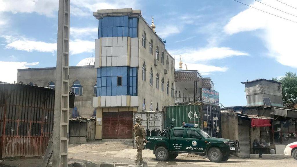 Bom Guncang Masjid Afghanistan Saat Salat Jumat, Seorang Ulama Tewas