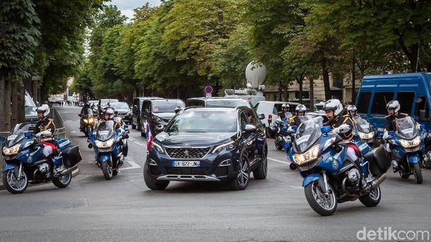 Peugeot 5008 saat perayaan Bastille Day tahun 2017 lalu