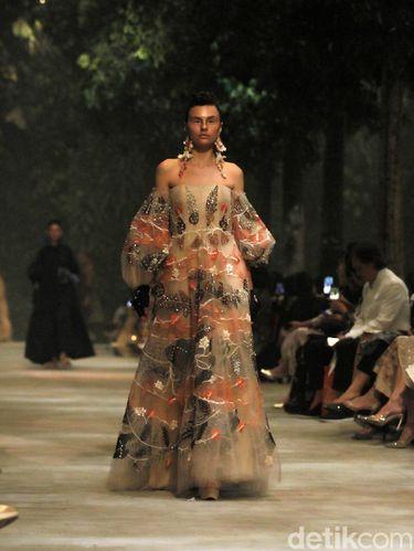 Eksplorasi Baru Desainer Biyan Wanaatmadja Bagi Millennial Masa Kini