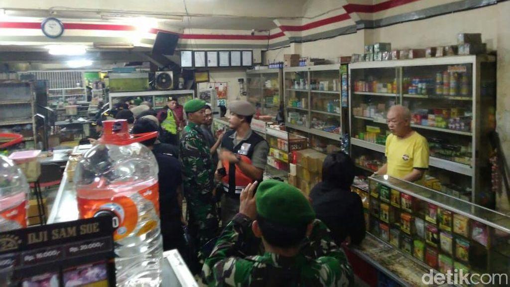 Jaga Kesucian Ramadhan, Ratusan Botol Miras Disita di Kota Malang