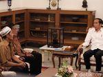 Kisah Pak Rajab: Dagangan Dibakar Massa hingga Diundang ke Istana