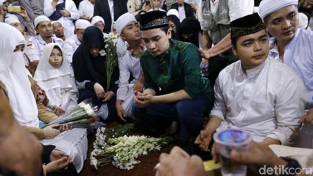 Bukti Ustaz Arifin Ilham Semasa Hidup Tak Pandang Orang dari Agamanya
