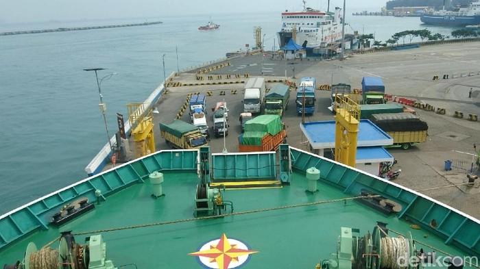 Pelabuhan Merak dan General Manager Pelabuhan Ciwandan, Agus Hendriyanto
