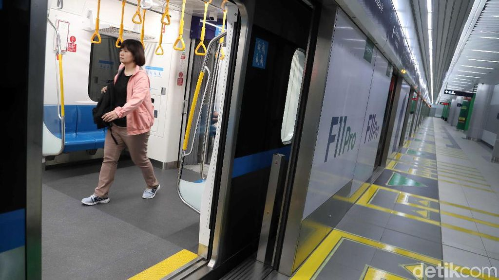 Fasilitas Khusus Disabilitas Sering Diserobot, Begini Komentar MRT Jakarta