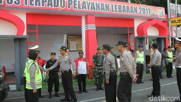 Pos pantau dan pengamanan didirikan di beberapa titik/