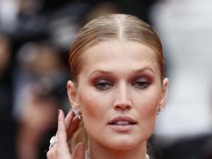Tak Cuma Leonardo DiCaprio, Mantan Pacarnya yang Seksi Juga Eksis di Cannes
