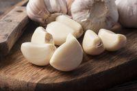 Cara Membuat Kacang Goreng Bawang yang Renyah dan Garing