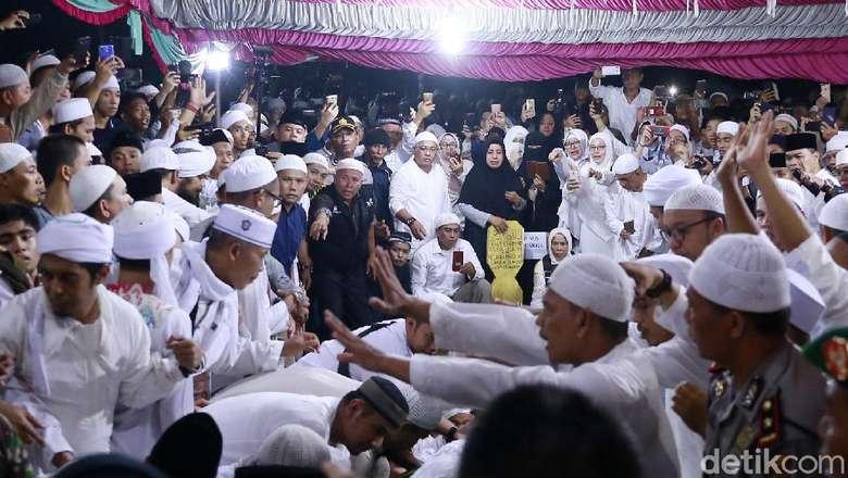 100 Hari Kepergian Ustaz Arifin Ilham