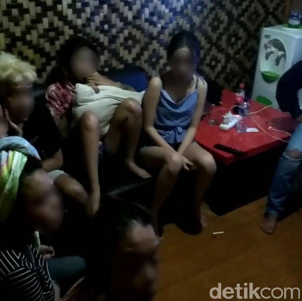 Muncikari Prostitusi Online di Garut Jual 2 Putrinya ke Tamu