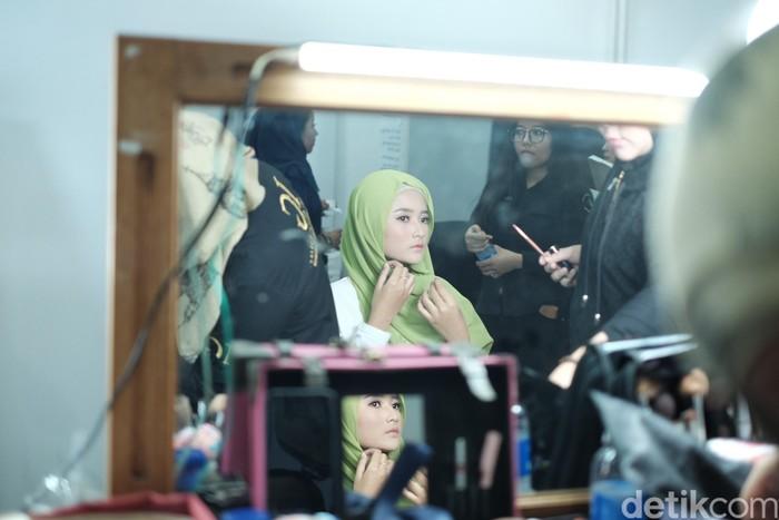 Persiapan finalis jelang final Sunsilk Hijab Hunt 2019. Foto: Silmia Putri/Detikcom
