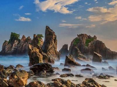 Bukan di Film Fiksi, Ini Pantai di Lampung