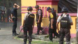 Polisi Olah TKP di Mako Brimob Purwokerto yang Diserang Tembakan