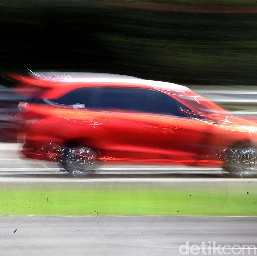 Adu Ngacir Honda Mobilio