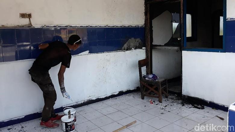 Setelah Solo, Kini Giliran Pos Polisi Klaten Terbakar